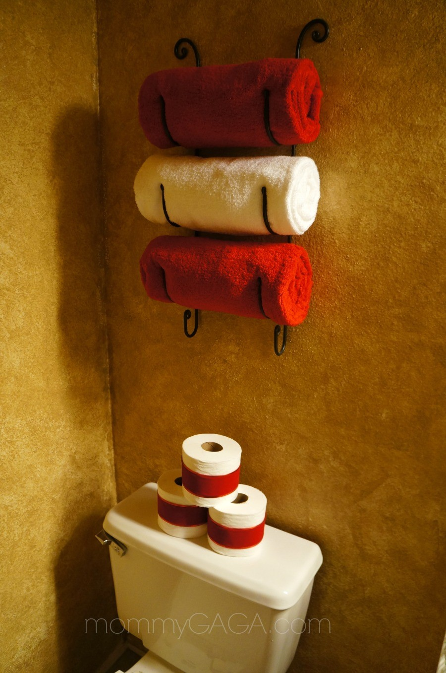 Toilet paper and towel Christmas decorations in the guest bathroom